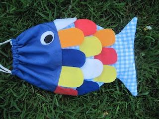 dit kan een leuke zwemtas worden voor de meisjes!