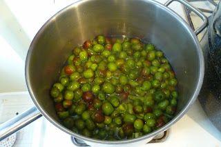 kiwiberry ( hardy kiwi) jam recipe. tiny little hairless, delicious kiwi turned into a tart/sweet jam