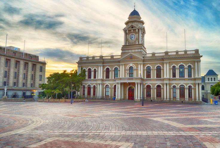 CIty Hall, Port Elizabeth, Sunday 29 Nov 2015, around 05:37 a.m.