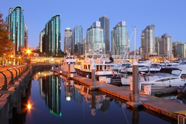 La marina du village de Coal Harbor, île de Vancouver.