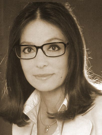 nana mouskouri ⌘fluent in15 languages, 300,000,000 records sold worldwide. no further comments