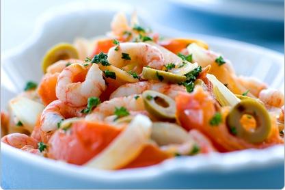 Pasta med rejer, tomat, oliven.