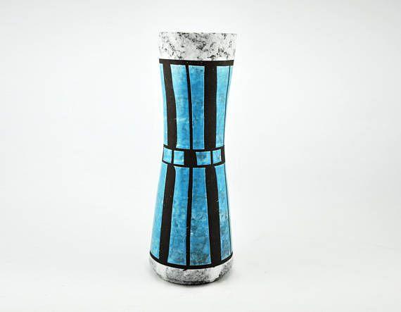 VEB Strehla 23 helder blauwe en zwarte vaas uit