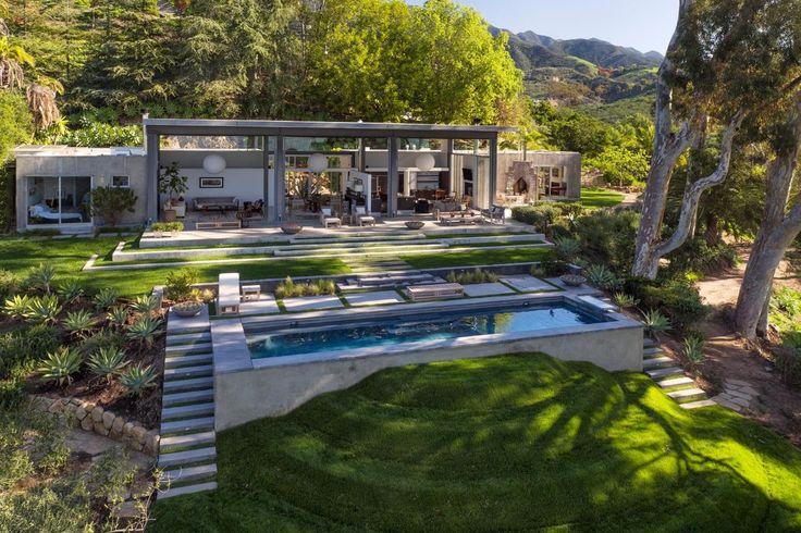 Natalie Portman's Stunning New House By Barton Myers