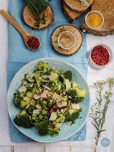 Sałatka z brokułów - Ale Babka!!! i robi to co lubi:)