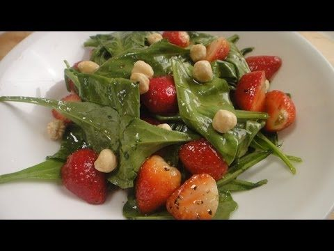 Baby Spinach and Strawberry Salad | Non Vegetarian Video Recipe by Master Chef Sanjeev Kapoor.