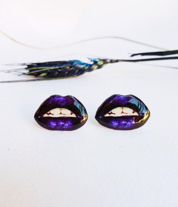 Purple lips studs / Lips earring / Purple earrings / by Sscarletts