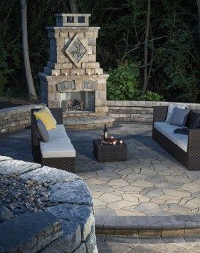 Asymmetrically shaped pavers create a natural look and often incorporate false joints that create the illusion of multiple shapes laid at random.