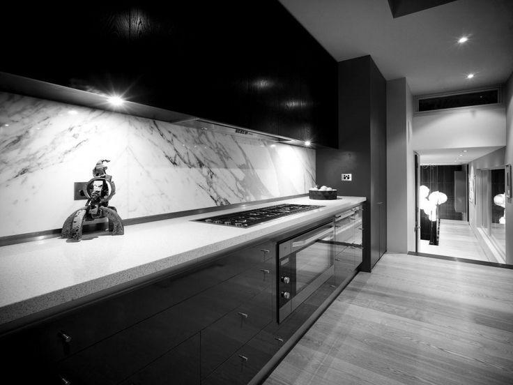 Modern black kitchen design #Blackkitchen | Black Kitchen