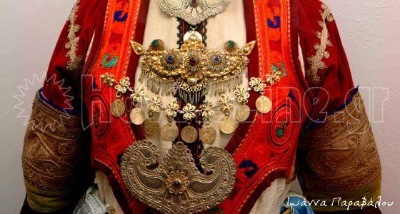 Μπούστο παραδοσιακής φορεσιάς Λίμνης Ευβοίας-Λαογραφικό Μουσείο Λίμνης