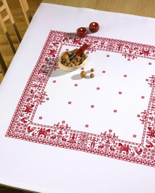 Rosenstand, Julduk vit, 012361, Broderas med moulinégarn i räknade kors- och efterstygn på vit aidaväv, 5,4 rutor/cm