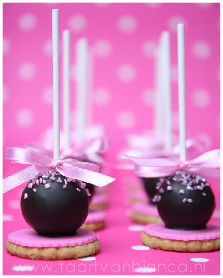 Cakepop with cookie, by taart van Bianca