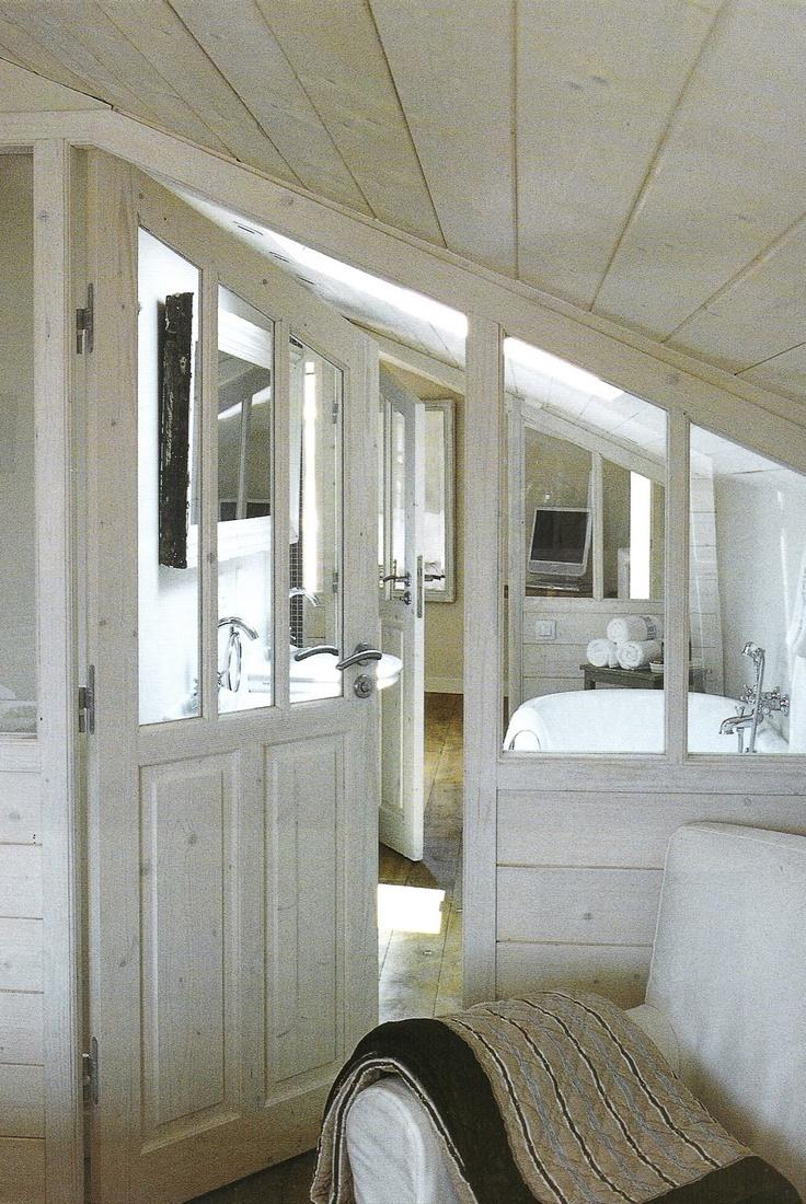 Salle de bain sous combles; Cote Ouest