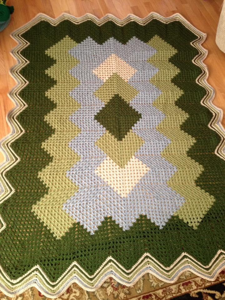 Variation of the Drop in the Pond afghan pattern.  Love this.