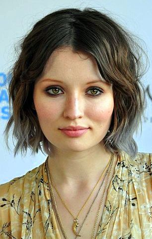 http://upload.wikimedia.org/wikipedia/commons/e/ef/Emily_Browning_(Cropped).jpg
