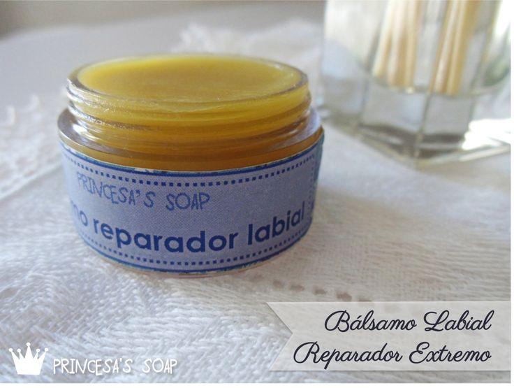 Elaborado con ingredientes naturales, repara los labios más estropeados por los cambios de temperatura o por el frío. www.princesassoap.es