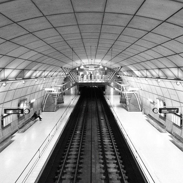 Metro Bilbao_NORMAN FOSTER www.bilbaoarchitecture.com