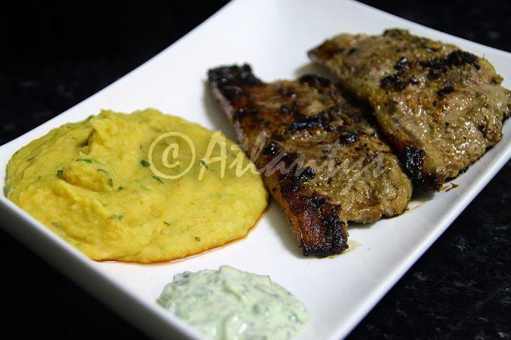 Terapia do Tacho: Costeletas de borrego grelhadas com molho de menta e puré de feijão (Grilled lamb chops with mint sauce a white bean puree)