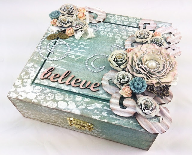 decorating wooden box with embossing poweders and ink spray
