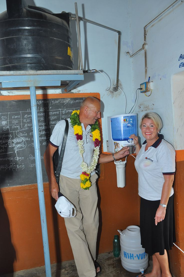 Provision of clean drinking water in the classroom using natural filtration system