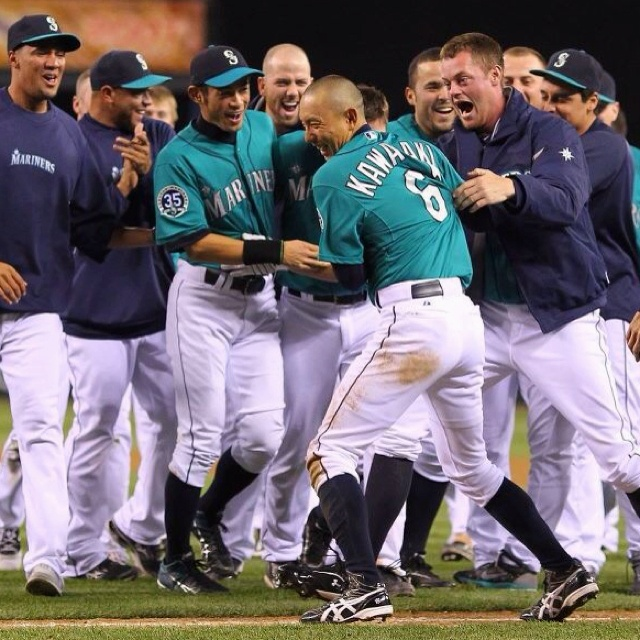 Munenori Kawasaki scored the winning run as John Jaso's sac fly capped a thrilling 9th inning rally in a 3-2 #Mariners win over the Tigers. 5/7/12