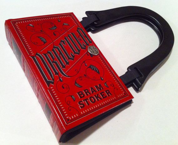 This Dracula book purse. | Community Post: 31 Creepy Items Every Horror Fan Should Own
