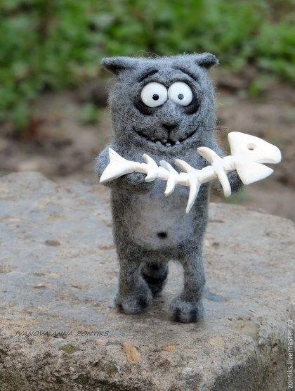 """Игрушки животные, ручной работы. Ярмарка Мастеров - ручная работа. Купить Кот и рыбина """"Хочешь поделюсь?:)"""". Handmade. Серый"""
