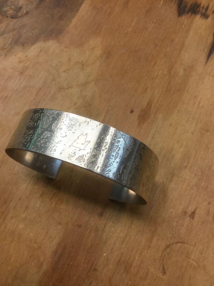 Armband zilver geetst, Martine Boven, gemaakt tijdens de cursus edelsmeden bij Monique Peters