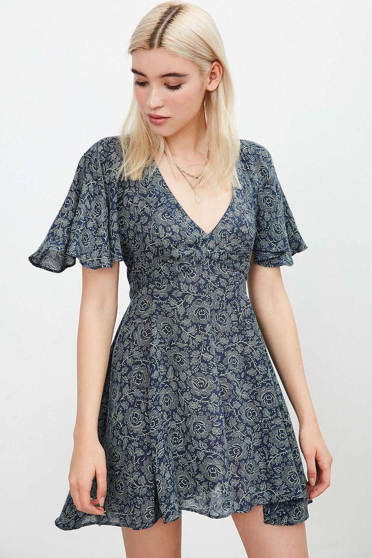 Kimchi Blue Lisa Cape-Sleeve Mini Dress - Urban Outfitters
