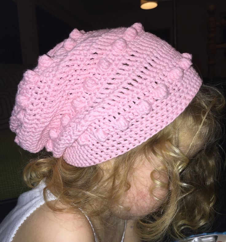 Astrids latest beanie (slouch) in pink