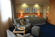 Deluxe Suite Distinction Hotels Lake Te Anau, Luxmore Hotel