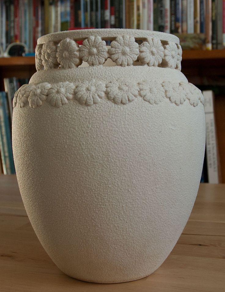 Henning Rathjen vase. From quilting twin.blogspot.com.