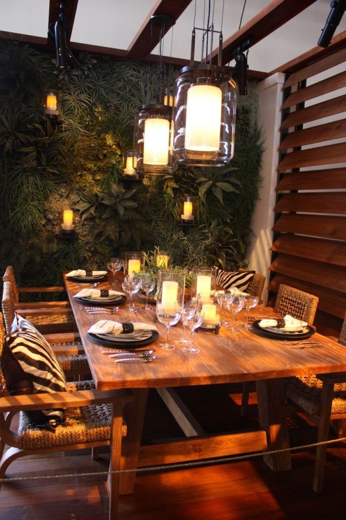 Themed safari party table decor