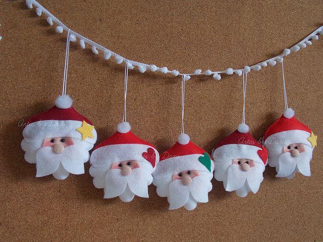 Kerstmannen slinger Leuk bevestigd aan pompoenband. Kijk voor vilt eens op http://www.bijviltenzo.nl