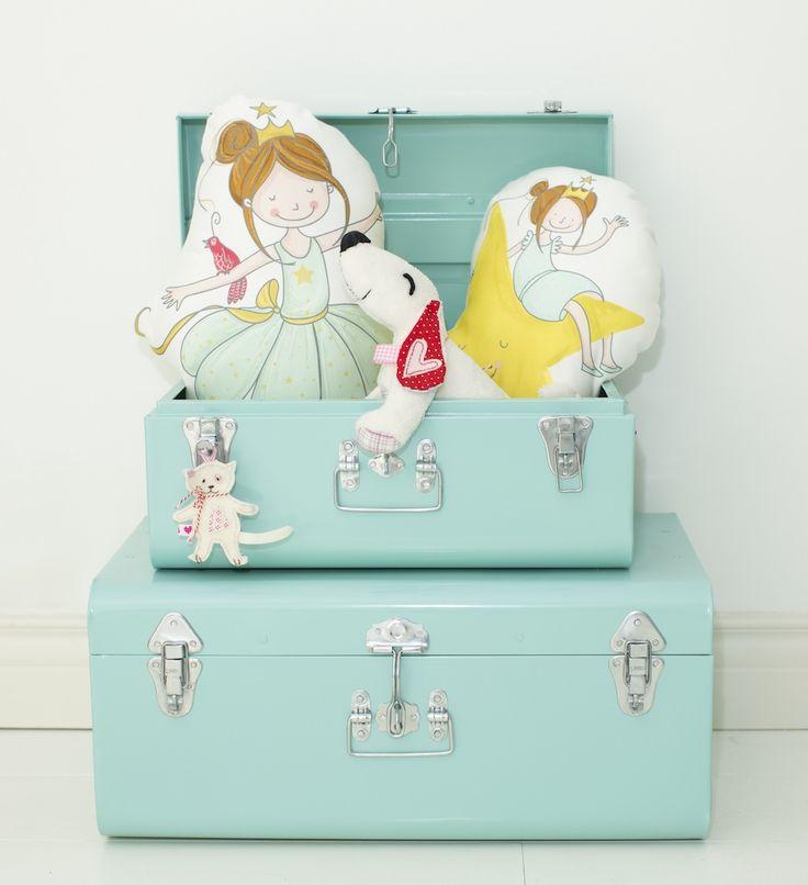 Dromen komen tot leven knuffelkussens. Interieurstyling Ideeën voor de #baby, #peuter of #kleuter #slaapkamer