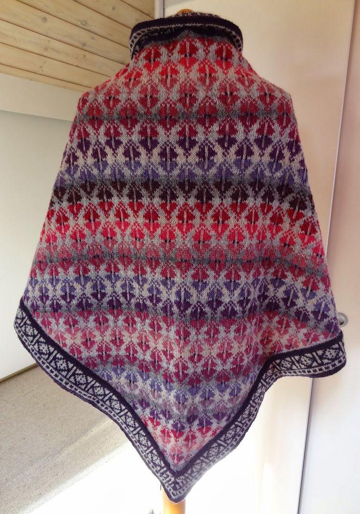 Når man går med et sjal, er snipperne ofte i vejen. Det har jeg så gjort noget ved på dette nye sjal. Det er ganske enkelt kortet af ...