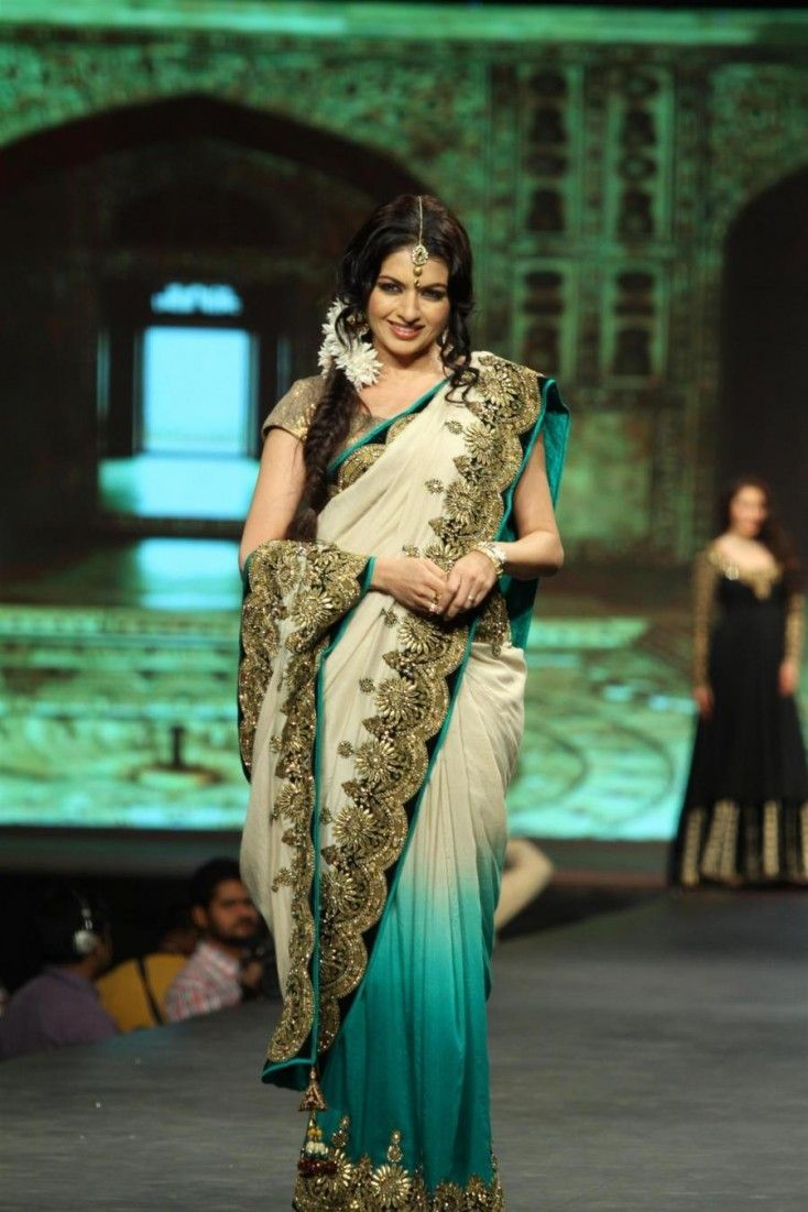 After delivering a blockbuster way back in 1989, Bhagyashree Patwardhan was another one to join the marriage bandwagon. Maine Pyar Kiya opposite Salman Khan was the highlight of Bhagyashree's career. Post marriage the actress did make a couple of forgettable appearances in films and television, but her most noteworthy comeback has been through Laut Aao Trisha, a television serial on Life OK