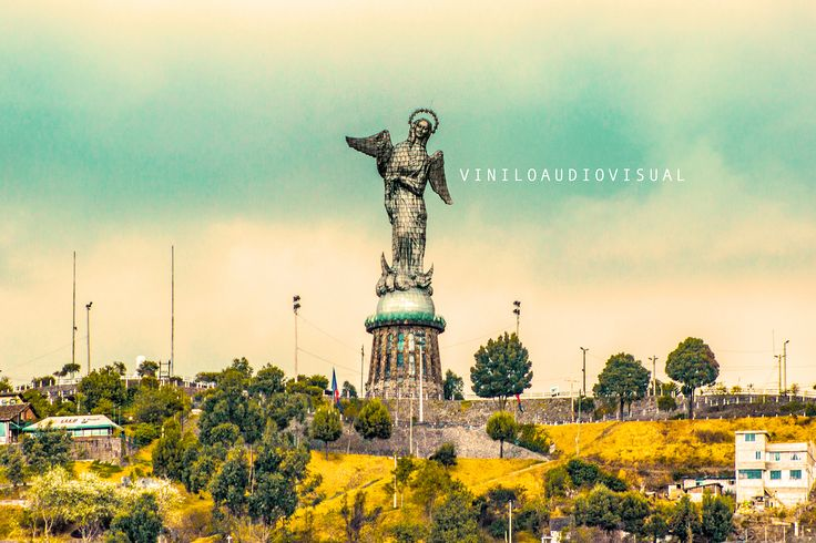 virgen del Panecillo, Quito