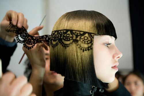 holy what? this is amazing! a lace stencil for your hair!??!! oh fashion runways... i love you!