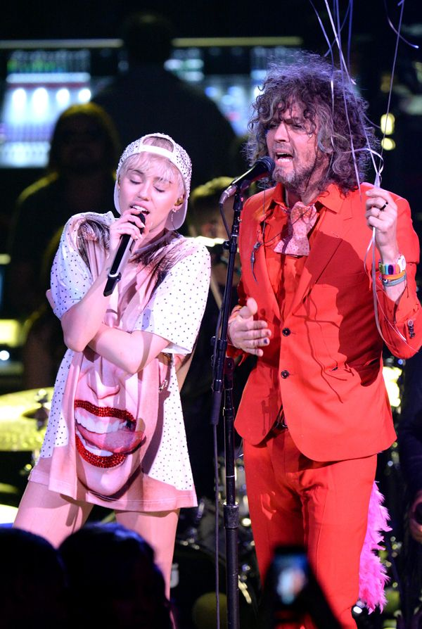 Miley Cyrus and...the Flaming Lips? Whodathunkit.