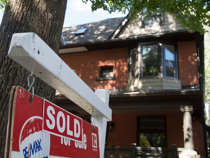 A new forecast from Canada Mortgage and Housing Corp. suggests massive price gains in real estate are coming to an end next year, with prices rising only 1.3% in 2016, versus 7.2% in 2015