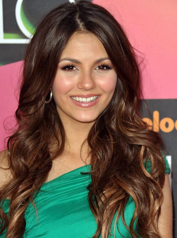 THIS is the color I need to make my hair: Hair Colors, Bridesmaid Hair, Summer Hair, Ombre Hair, Wavy Hair, Long Hair, Victoria Justice, Hair Style, Caramel Highlights