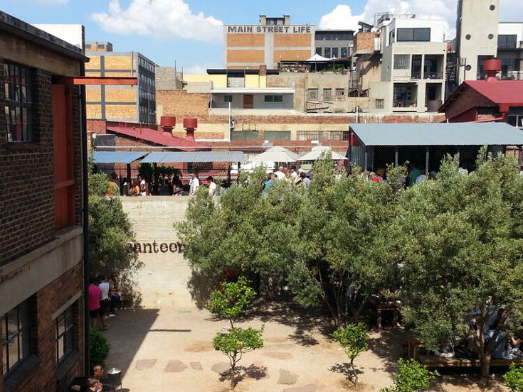 Downtown Joburg Movin' // Downtown Johannesburg, historically known for crime and decay – is ... Downtown Joburg Movin' On Up New Life Breathed Into Old Space.  Photo: Rashad Underwood