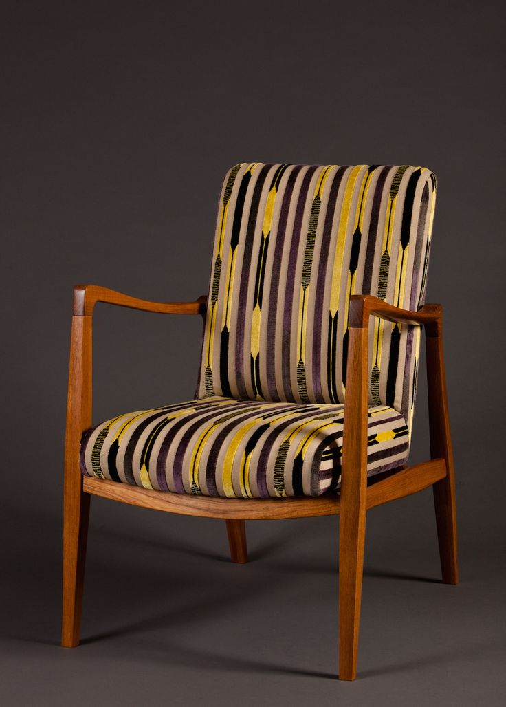 Fine Woodworking Magazine shines a light on Oden artisan and founder Meredith Nicole's chair which was inspired by #Danishdesigner #FinnJuhl.  #finewoodworking #magazine #odengallery
