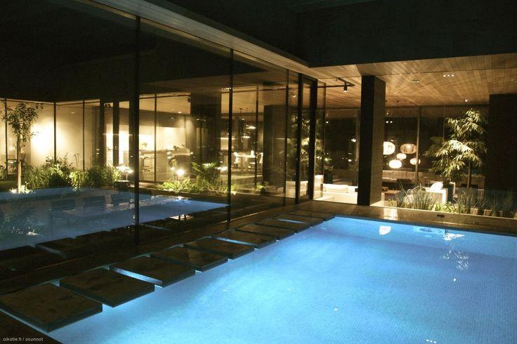 Myytävät asunnot, Merikapteenintie, Helsinki #oikotieasunnot #swimmingpool #uima-allas