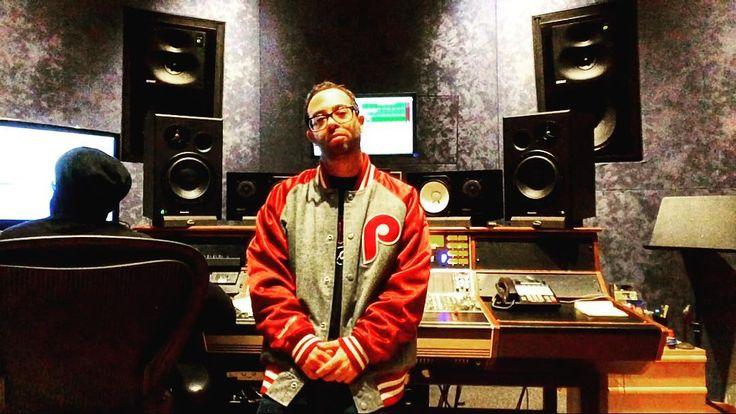 #MusicMonday  #digitalcrates #MusicProducer #BeatBattle #music #musica #musically #likeforlike #rock #rap #musicallyapp #like4like #hiphop #snapchat #insta #video #savage #producer #soul #producergram #musicislife #musician #mixtape #likeforfollow #life #philly #producergram #instabeats #youtube #soundcloud #support