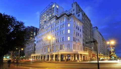 Taj Hotel  - Hästens Suite  Cape Town - South Africa   1 Room - Hästens 2000T II Bed