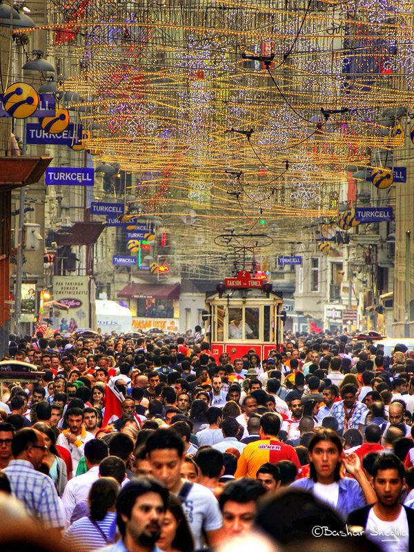Istiklâl Caddesi . Istanbul