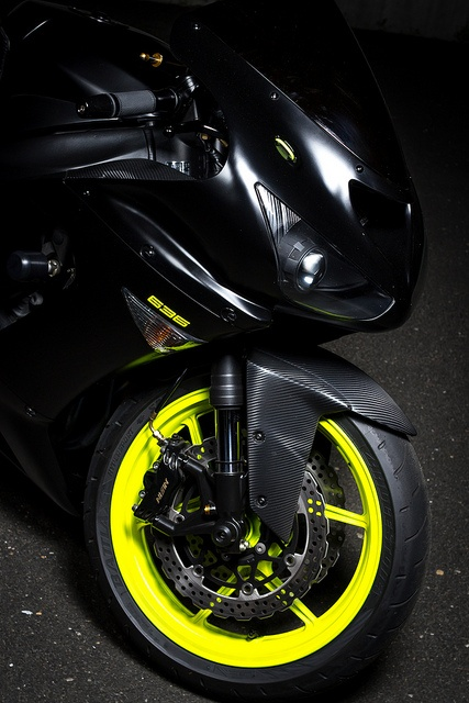 Carbon Fiber and PlastiDip ZX6R 636