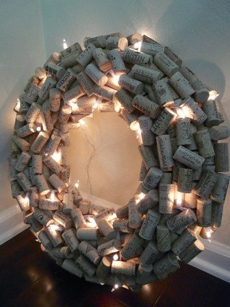Lighted Wine Cork Wreath! great for a hallway